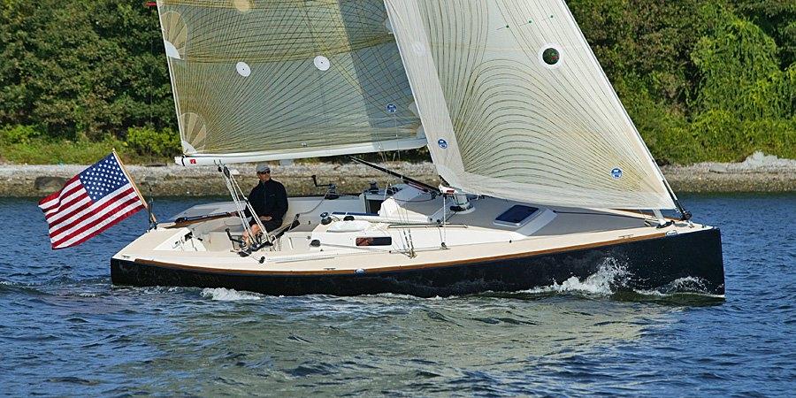J100_sailing-328-913-470-100-c.jpg